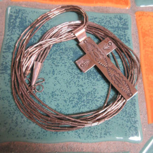 Jewelry - VTG SOUTHWEST LIQUID SILVER NECKLACE WITH CROSS